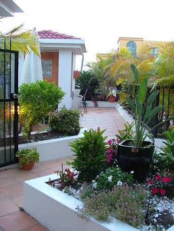 Shaz Maisons Beachside Holiday Apartments - Accommodation Airlie Beach