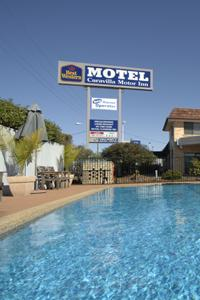 Caravilla Motel - Accommodation Airlie Beach