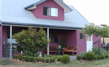 Magenta Cottage Accommodation and Art Studio - Accommodation Airlie Beach