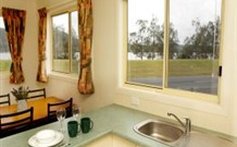 Mavis's Kitchen and Cabins - Accommodation Airlie Beach