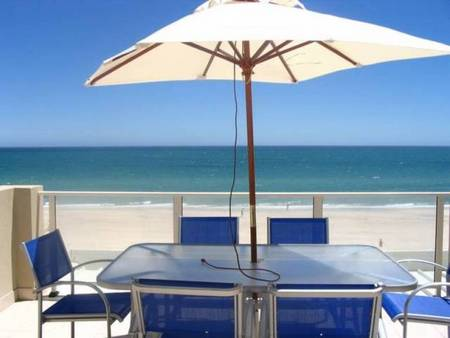 Adelaide Luxury Beach House - Accommodation Airlie Beach