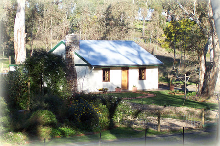 The Woodmans Cottage - Accommodation Airlie Beach