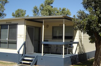 Sunset Beach Holiday Park - Accommodation Airlie Beach