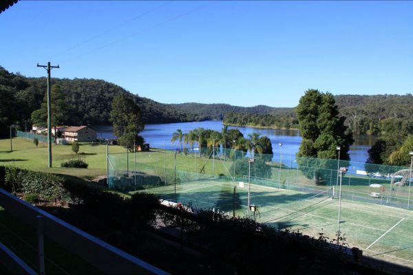Juniors on Hawkesbury - Accommodation Airlie Beach