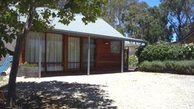 Cherry Farm Cottage - Accommodation Airlie Beach