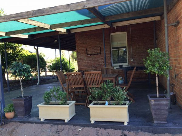 Corryong Holiday Cottages - Sportsview - Accommodation Airlie Beach