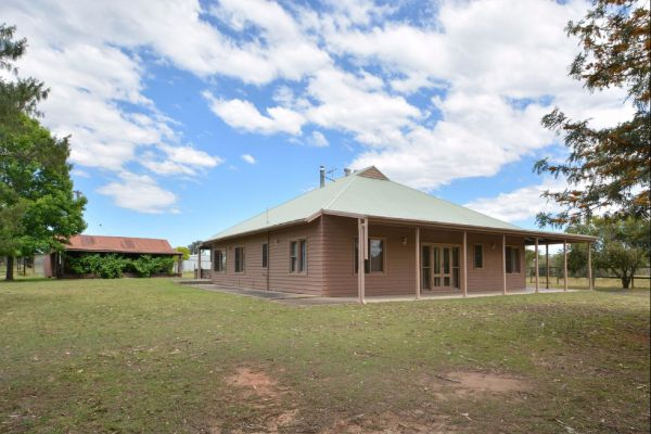 Grasmere Estate Homestead - Accommodation Airlie Beach
