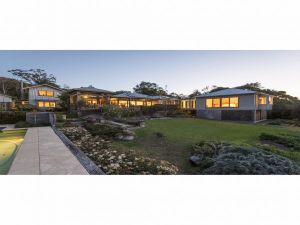 Jamberoo Valley Farm - Accommodation Airlie Beach