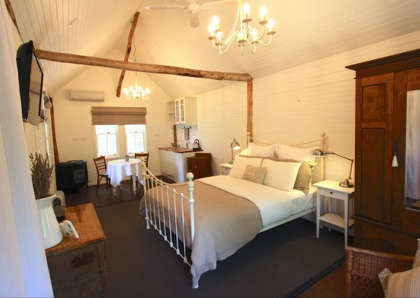 Laggan Cottage Bed and Breakfast - Accommodation Airlie Beach