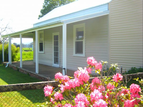 Orange Tree Cottage - Accommodation Airlie Beach