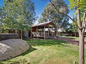 Boorowa Hotel - Accommodation Airlie Beach