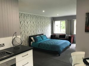 Ravenscroft Cottage - Accommodation Airlie Beach