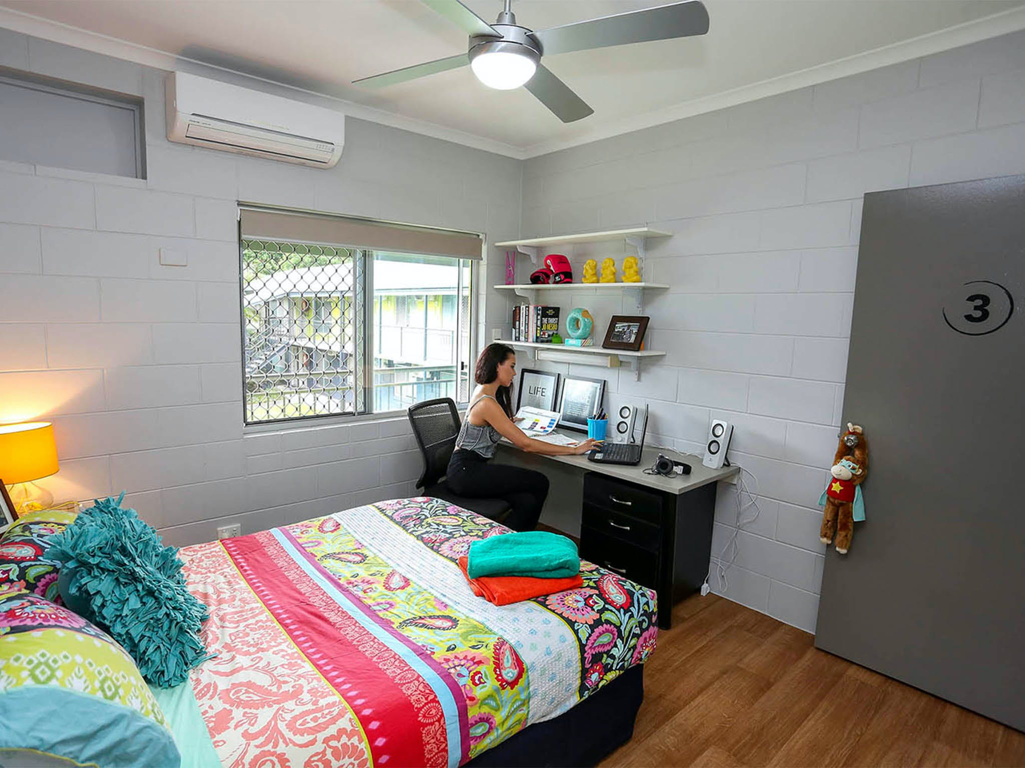Cairns Student Lodge - Accommodation Airlie Beach