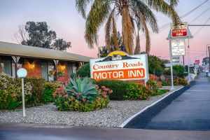 Country Roads Motor Inn - Accommodation Airlie Beach