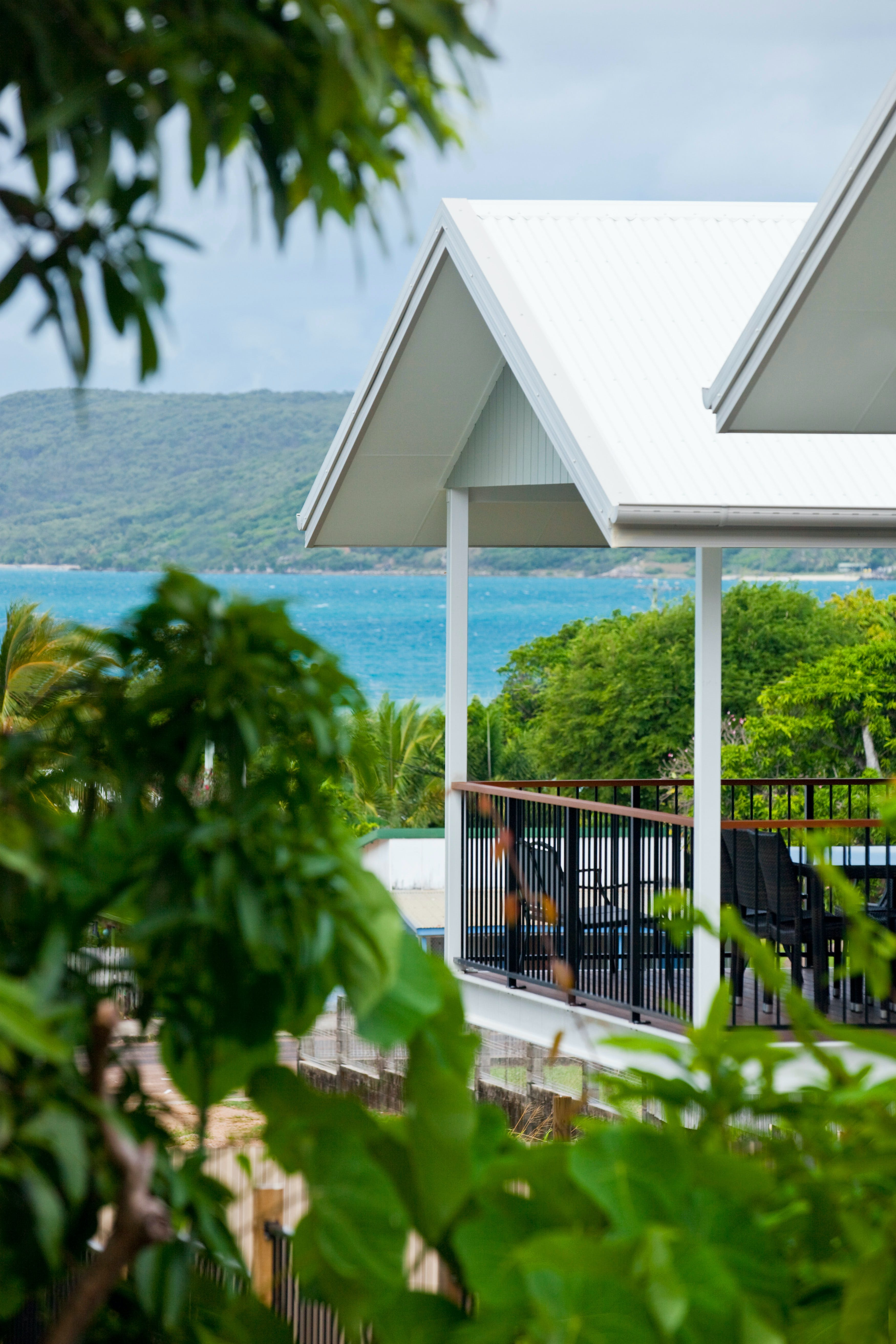Island Villas and Apartments - Accommodation Airlie Beach