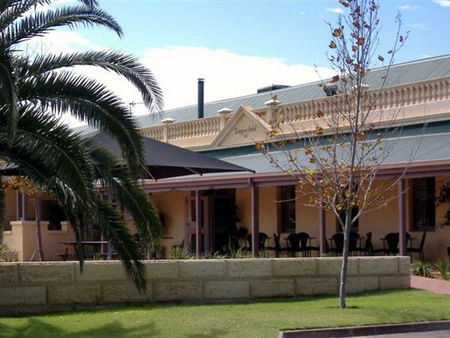 Dongara Hotel Motel - Accommodation Airlie Beach