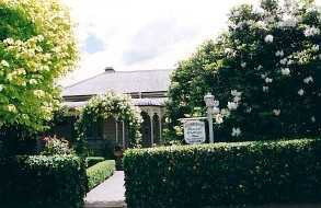 Bowral Cottage Inn - Accommodation Airlie Beach