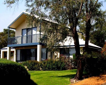 Walpole Bayside Villas - Accommodation Airlie Beach
