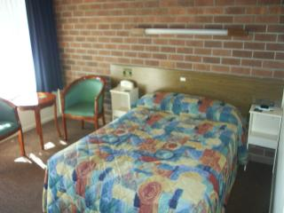 Bingara Fosscikers Way Motel - Accommodation Airlie Beach