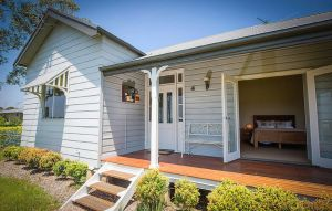 Wine Country Cottage - Accommodation Airlie Beach