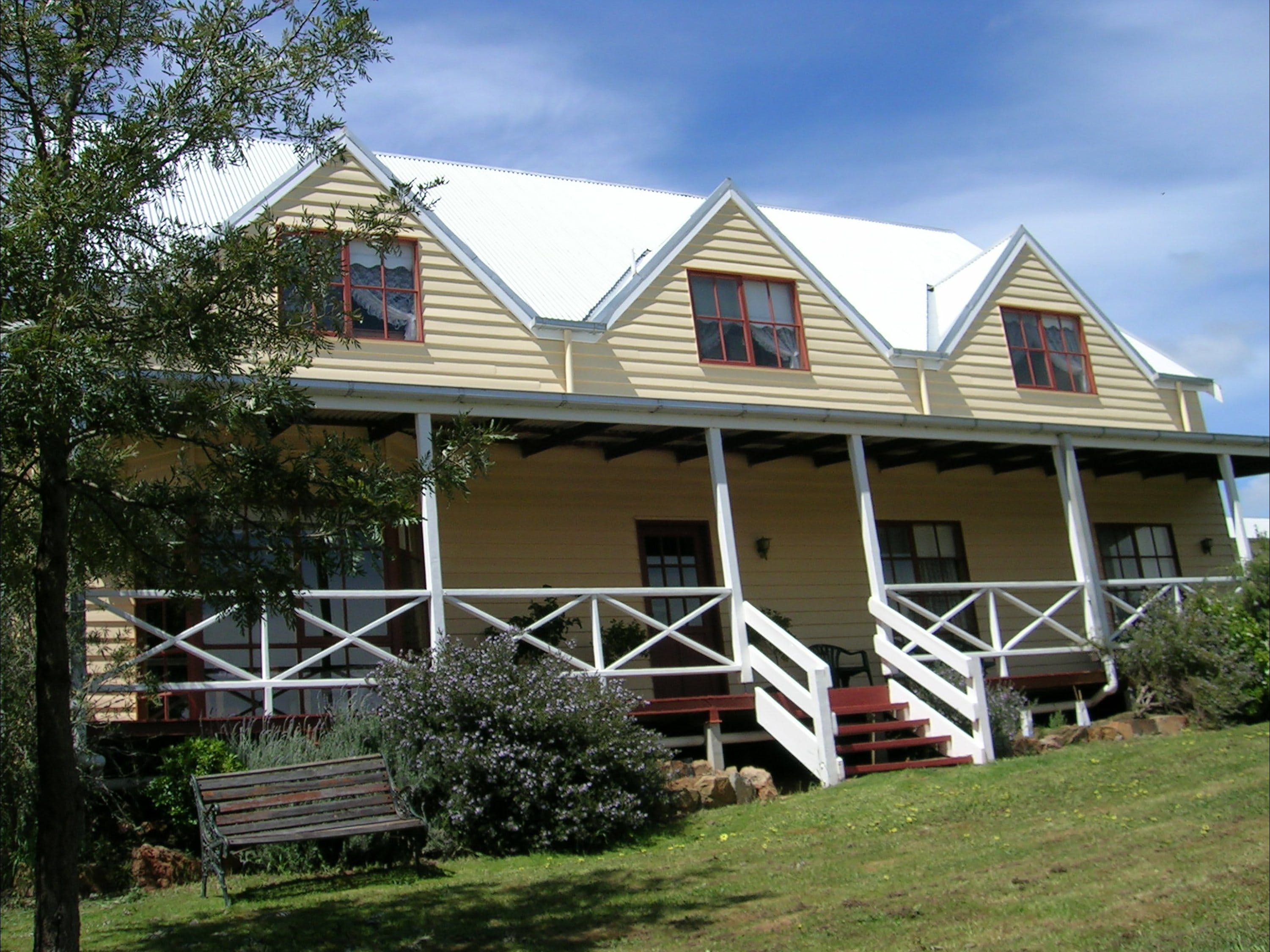 Celestine House - Accommodation Airlie Beach