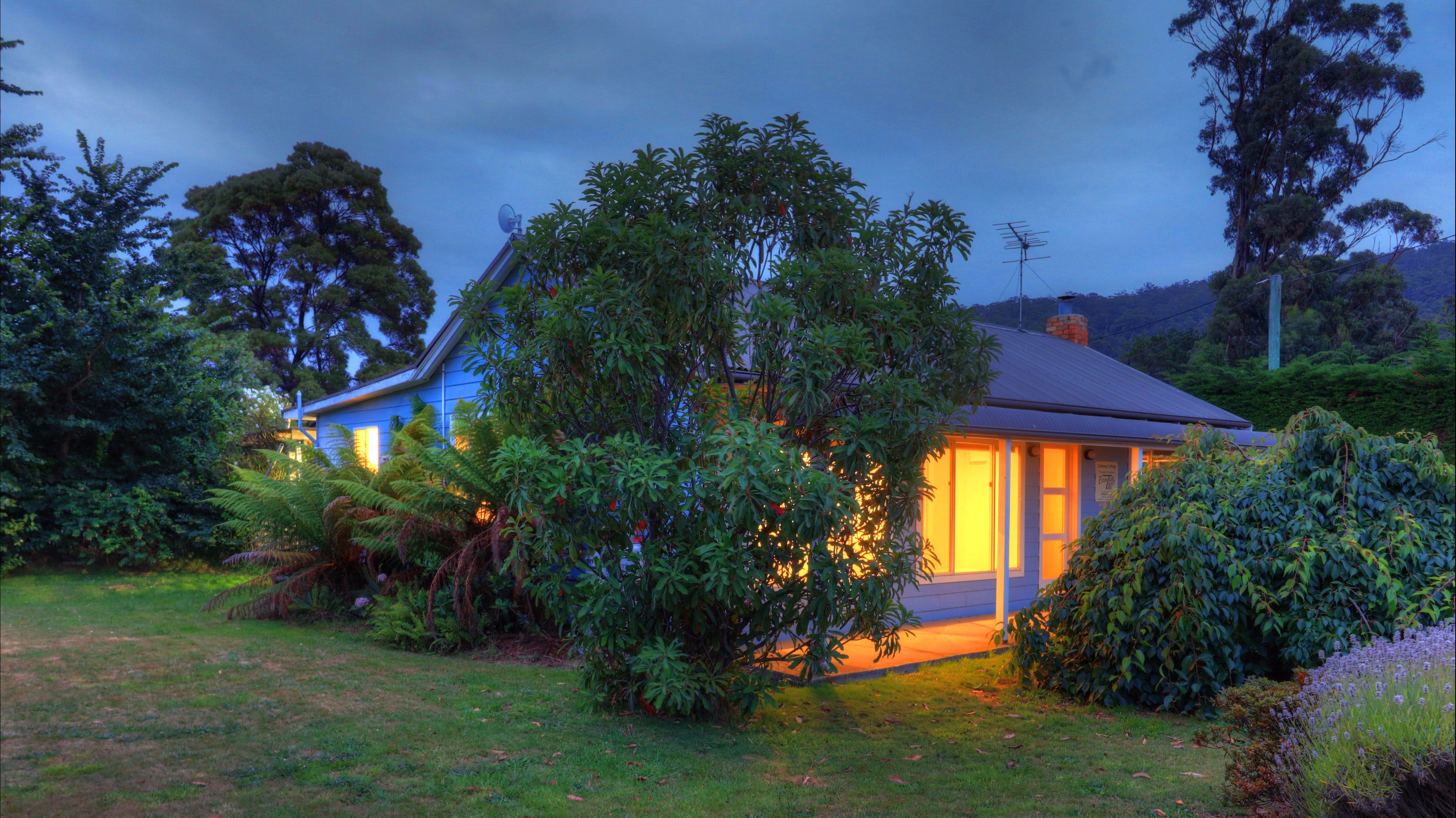 Castaway Cottage - Accommodation Airlie Beach