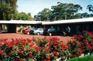 Whispering Gums Motel - Accommodation Airlie Beach