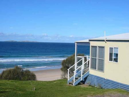 Surfbeach Holiday Park - Accommodation Airlie Beach