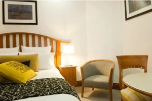 The Inchcolm Hotel - Accommodation Airlie Beach