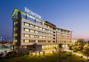 Novotel Brisbane Airport Hotel - Accommodation Airlie Beach