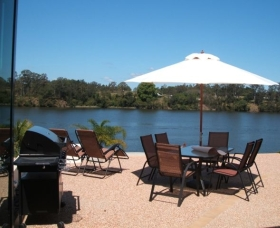 Big River Holiday Park - Accommodation Airlie Beach