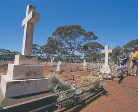 Coolgardie Cemetery - Accommodation Airlie Beach