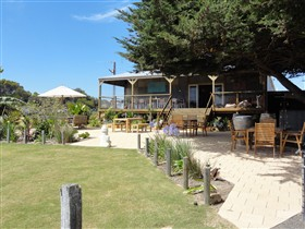 Rustic Blue - Accommodation Airlie Beach
