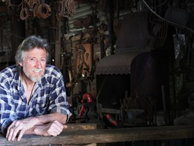 River Lane Blacksmith Tours - Accommodation Airlie Beach