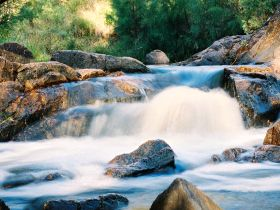 Crows Nest Falls - Accommodation Airlie Beach
