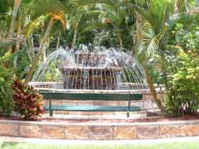 Bauer and Wiles Memorial Fountain - Accommodation Airlie Beach