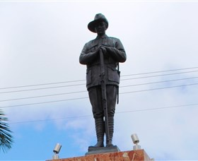 Charters Towers Memorial Cenotaph - Accommodation Airlie Beach