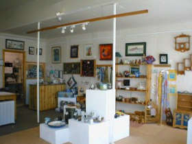 Great Alpine Gallery - Accommodation Airlie Beach