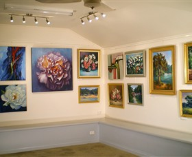 Ros McArthur Art Studio - Accommodation Airlie Beach