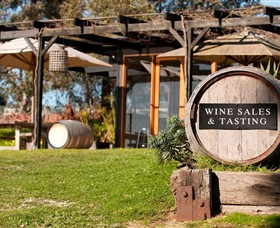Saint Regis Winery Food  Wine Bar - Accommodation Airlie Beach