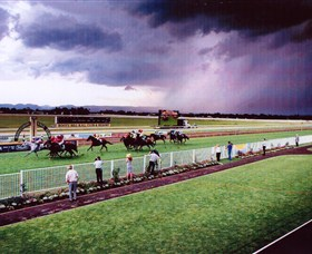 Hawkesbury Race Club - Accommodation Airlie Beach