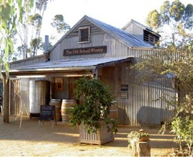 The Old School Winery and Pottery - Accommodation Airlie Beach
