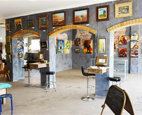 Splatter Gallery and Art Studio - Accommodation Airlie Beach