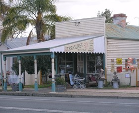 Lady Gails Bookshop and Curios - Accommodation Airlie Beach