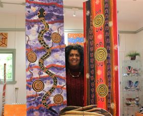 Apma Creations Aboriginal Art Gallery and Gift shop - Accommodation Airlie Beach
