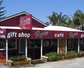 Rosies Cafe and Gallery - Accommodation Airlie Beach