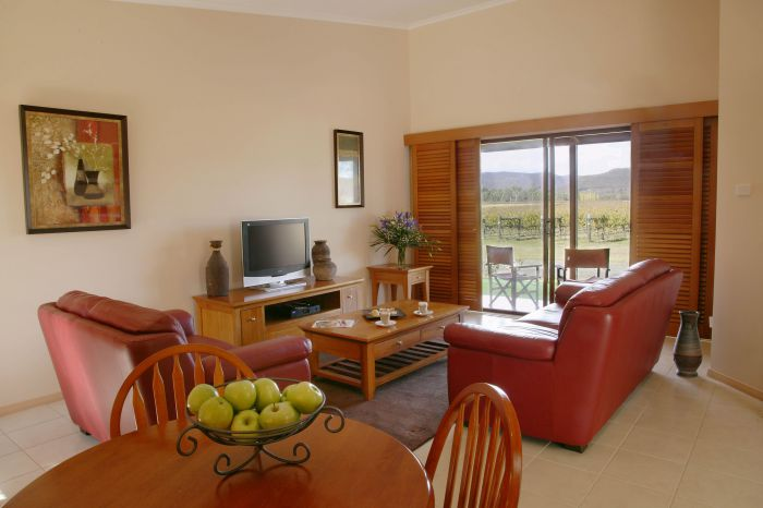 Nightingale Wines Luxury Villas - Accommodation Airlie Beach
