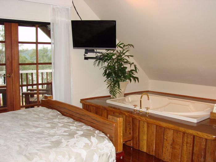 Clarence River Bed and Breakfast - Accommodation Airlie Beach