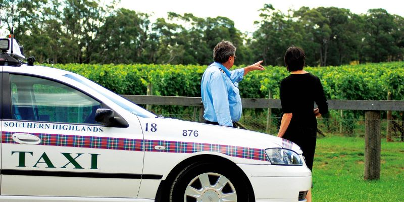Southern Highlands Taxis Limousines and Coaches - Accommodation Airlie Beach