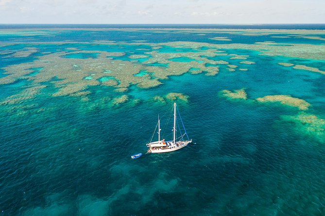 2-Night Whitsundays Sailing Adventure Kiana - Accommodation Airlie Beach